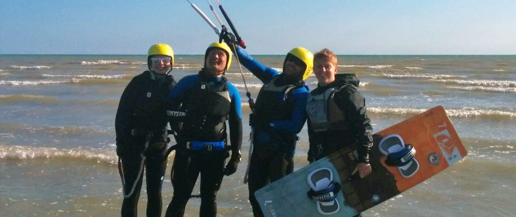 kitesurfing instructor and students